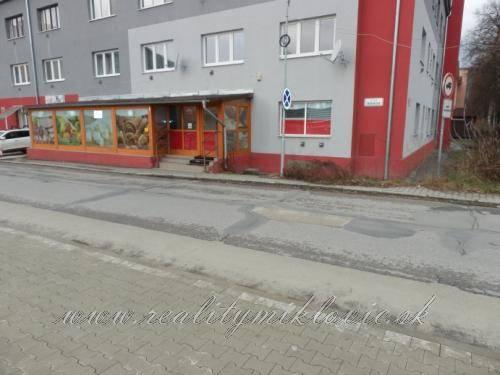 Obchodný priestor na predaj - Považská Bystrica