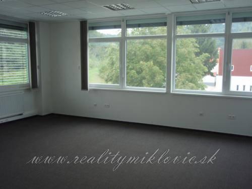 Kancelársky priestor - Považská Bystrica, 44 m2.