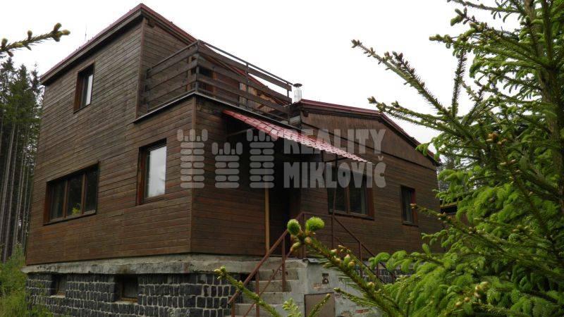 Ponuka - Na predaj - Murovaná chata v peknom prostredí - Kunerád.